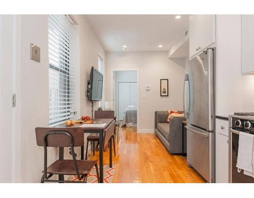 Additional photo for property listing at 419 Hanover Street  Boston, Massachusetts 02113 Estados Unidos