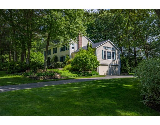 Casa Unifamiliar por un Venta en 4 Nicholas Drive Franklin, Massachusetts 02038 Estados Unidos
