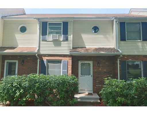 Condominio por un Alquiler en 18 Crannberry Hollow #18 Enfield, Connecticut 06082 Estados Unidos