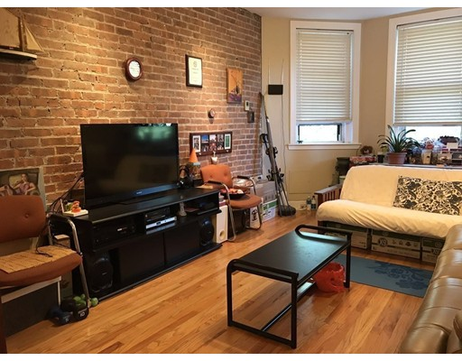 Townhome / Condominium for Rent at 380 Riverway 380 Riverway Boston, Massachusetts 02115 United States