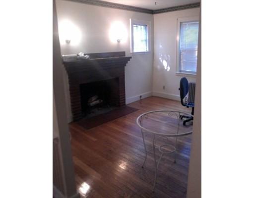 独户住宅 为 出租 在 38 Blake Street 牛顿, 马萨诸塞州 02460 美国