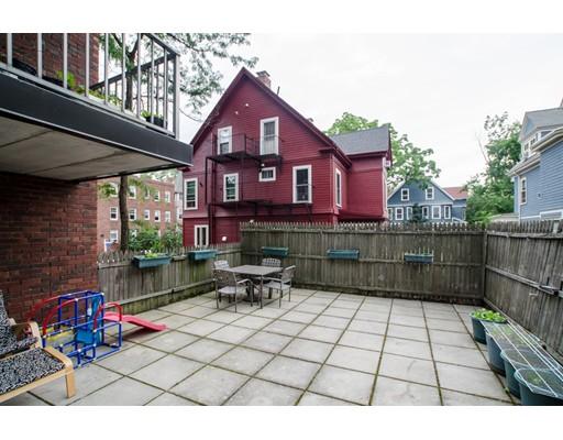 Casa Unifamiliar por un Alquiler en 31 Harris Street Brookline, Massachusetts 02446 Estados Unidos