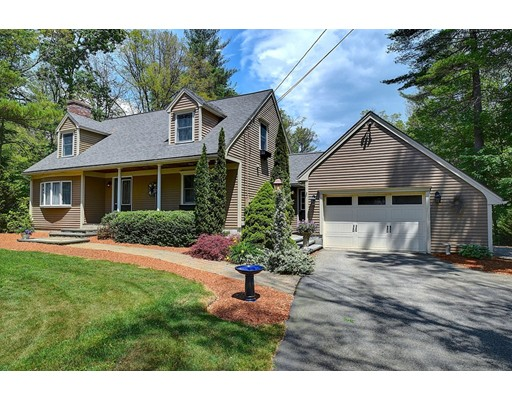 Single Family Home for Sale at 35 Apple Road Brimfield, Massachusetts 01010 United States