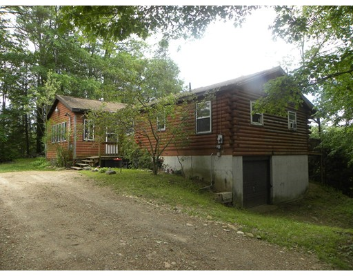 Casa Unifamiliar por un Venta en 2 Cranberry Meadow Shore Road Charlton, Massachusetts 01507 Estados Unidos