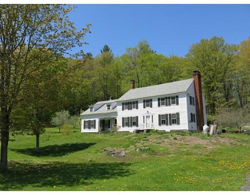 واحد منزل الأسرة للـ Sale في 11 Windigo Road 11 Windigo Road Windsor, Massachusetts 01270 United States