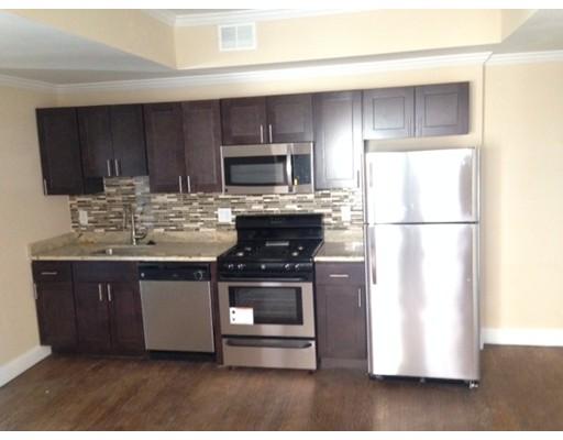 独户住宅 为 出租 在 92 Bragdon 波士顿, 马萨诸塞州 02119 美国