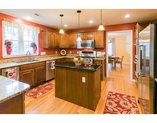 Частный односемейный дом для того Продажа на 2 Bayou Street Winthrop, Массачусетс 02152 Соединенные Штаты