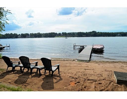 独户住宅 为 销售 在 361 Halladay Drive Suffield, 康涅狄格州 06093 美国