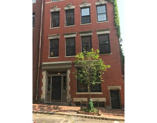 Casa Unifamiliar por un Alquiler en 132 Myrtle Boston, Massachusetts 02114 Estados Unidos