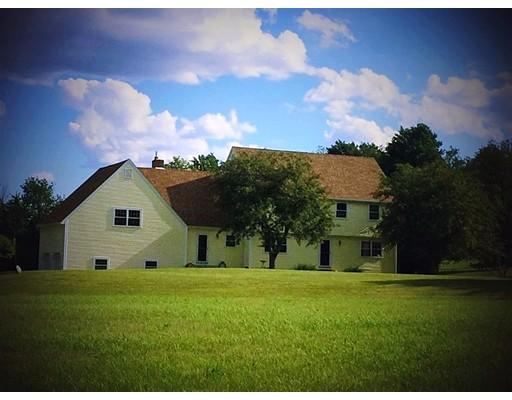 واحد منزل الأسرة للـ Sale في 108 N Pepperell Road Hollis, New Hampshire 03049 United States