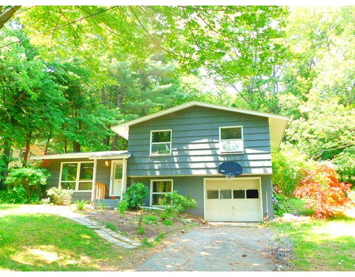 Single Family Home for Sale at 90 Ridgewood Drive Russell, Massachusetts 01071 United States