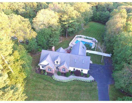 Частный односемейный дом для того Продажа на 10 Tower Hill Road 10 Tower Hill Road Oxford, Массачусетс 01540 Соединенные Штаты