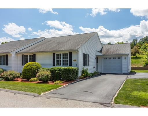 Condominio por un Venta en 9 Edith Lane Lunenburg, Massachusetts 01462 Estados Unidos