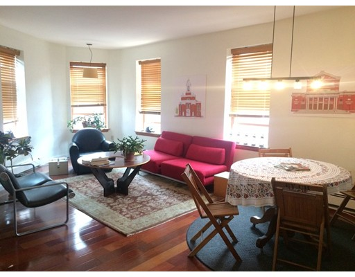 Casa Unifamiliar por un Alquiler en 105 Prince Street Boston, Massachusetts 02113 Estados Unidos