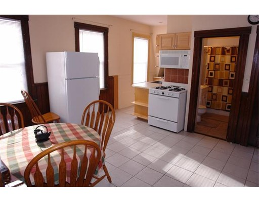 Single Family Home for Rent at 25 Boardman Street Worcester, Massachusetts 01606 United States