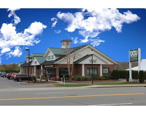Commercial pour l Vente à 500 West Central Street 500 West Central Street Franklin, Massachusetts 02038 États-Unis