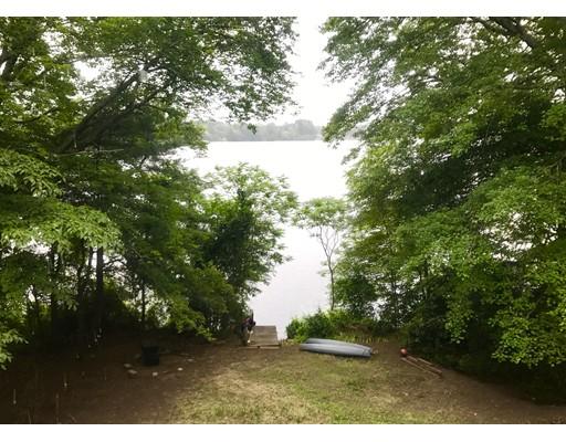 واحد منزل الأسرة للـ Sale في 25 White Island Road Halifax, Massachusetts 02338 United States