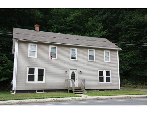 Casa Multifamiliar por un Venta en 10 Laurel Road Huntington, Massachusetts 01036 Estados Unidos