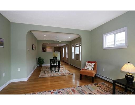 独户住宅 为 出租 在 299 Forest Hills Street 波士顿, 马萨诸塞州 02130 美国