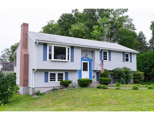 Casa Unifamiliar por un Venta en 51 Douglas Avenue Leominster, Massachusetts 01453 Estados Unidos