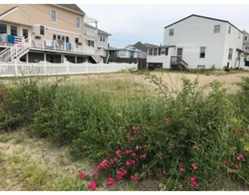 Casa Multifamiliar por un Venta en 42 COMMONWEALTH Avenue Salisbury, Massachusetts 01952 Estados Unidos