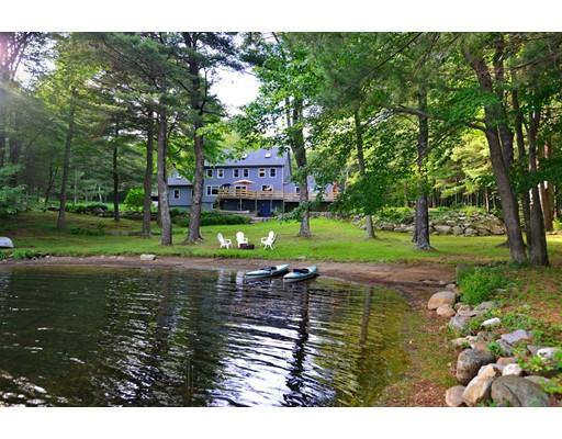 Casa Unifamiliar por un Venta en 88 Gold Mine 88 Gold Mine Glocester, Rhode Island 02814 Estados Unidos