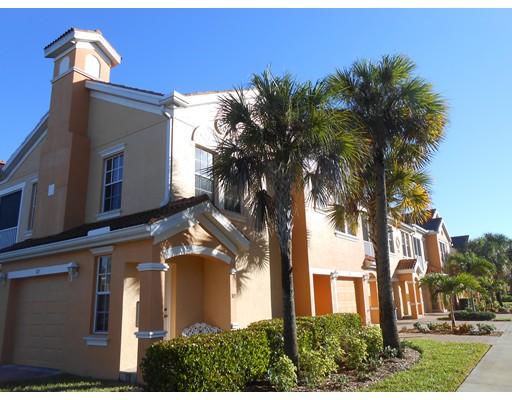 Appartement en copropriété pour l Vente à 1872 Concordia Lake Circle #201 Cape Coral, Florida 33909 États-Unis