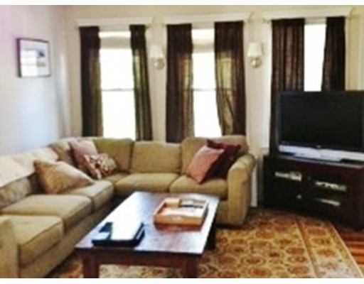 Additional photo for property listing at 84 Bourne Street  Newton, Massachusetts 02466 United States