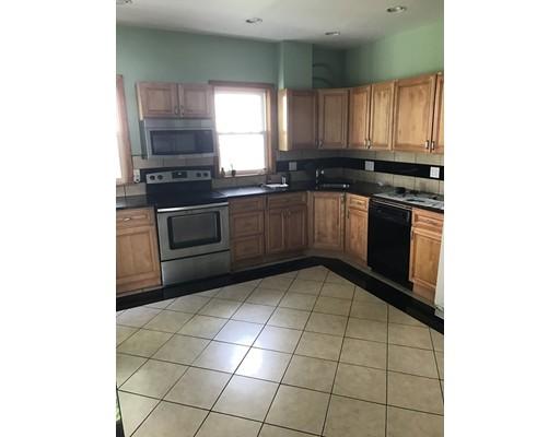 独户住宅 为 出租 在 166 Tremont 牛顿, 马萨诸塞州 02458 美国