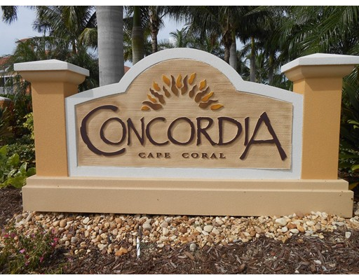 Кондоминиум для того Продажа на 1865 Concordia Lake Circle 1865 Concordia Lake Circle Cape Coral, Флорида 33909 Соединенные Штаты