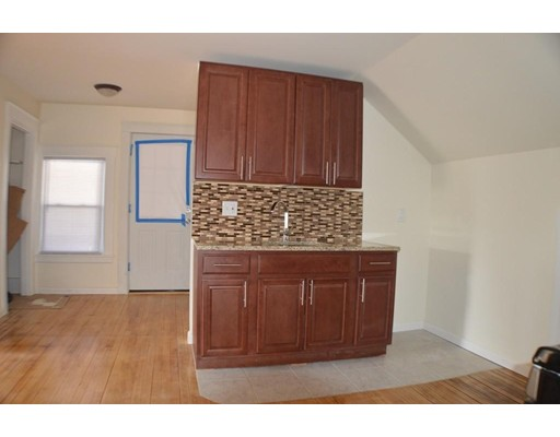 Additional photo for property listing at 34 Coombs  Southbridge, Massachusetts 01550 Estados Unidos