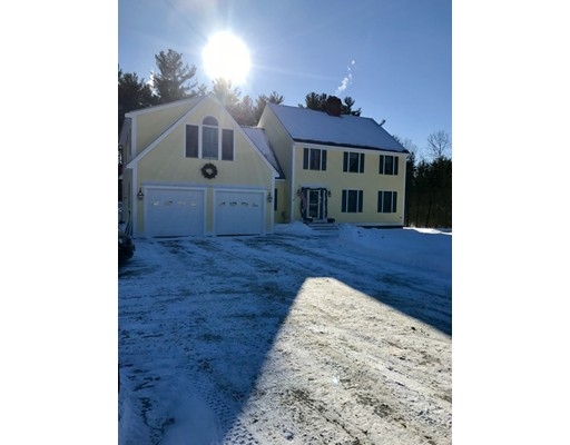 Single Family Home for Sale at 114 Mulpus Road 114 Mulpus Road Lunenburg, Massachusetts 01462 United States