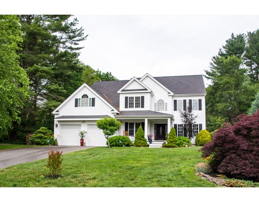 واحد منزل الأسرة للـ Sale في 6 Windcrest Lane 6 Windcrest Lane Millis, Massachusetts 02054 United States