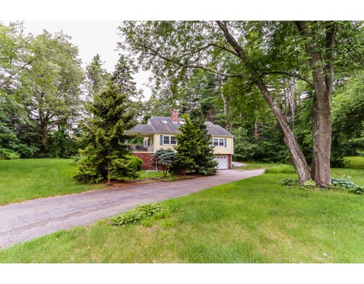 Single Family Home for Sale at 240 West Main Street Georgetown, Massachusetts 01833 United States