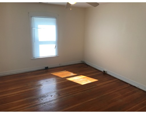 Additional photo for property listing at 84 Readville Street  Boston, Massachusetts 02136 Estados Unidos