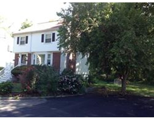 واحد منزل الأسرة للـ Rent في 1 Robken Road #000 1 Robken Road #000 Boston, Massachusetts 02131 United States