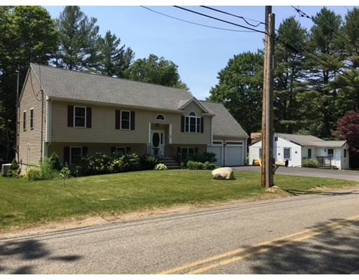 Maison unifamiliale pour l Vente à 37 Thayer Avenue West Bridgewater, Massachusetts 02379 États-Unis