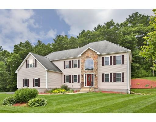 Maison unifamiliale pour l Vente à 4 Mason Place Foxboro, Massachusetts 02035 États-Unis