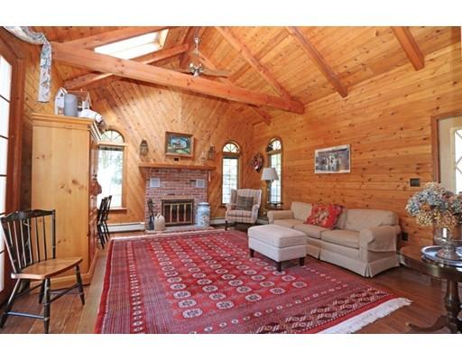 Частный односемейный дом для того Продажа на 51 Park Street Dedham, Массачусетс 02026 Соединенные Штаты