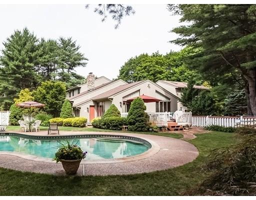 Частный односемейный дом для того Продажа на 11 N. Precinct Street 11 N. Precinct Street Lakeville, Массачусетс 02347 Соединенные Штаты