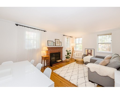 独户住宅 为 出租 在 37 Commonwealth Avenue 牛顿, 马萨诸塞州 02467 美国