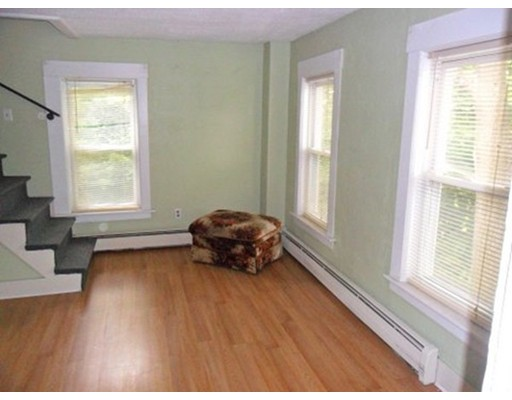 独户住宅 为 出租 在 745 Waverly Street 弗雷明汉, 马萨诸塞州 01702 美国