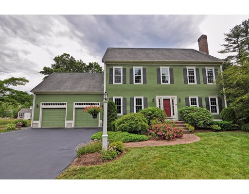 Single Family Home for Sale at 14 Millfarm Drive Mansfield, Massachusetts 02048 United States