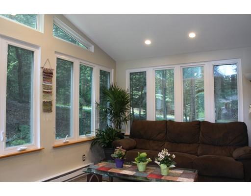 独户住宅 为 销售 在 117 Linseed Road Hatfield, 马萨诸塞州 01088 美国