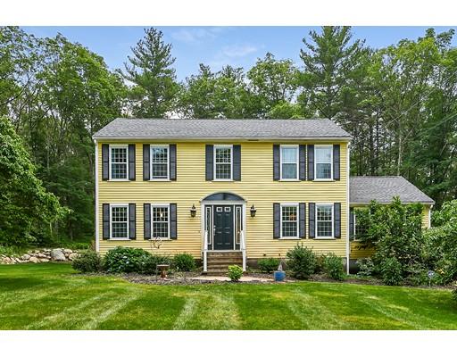 独户住宅 为 销售 在 60 Acorn Road Wrentham, 02093 美国