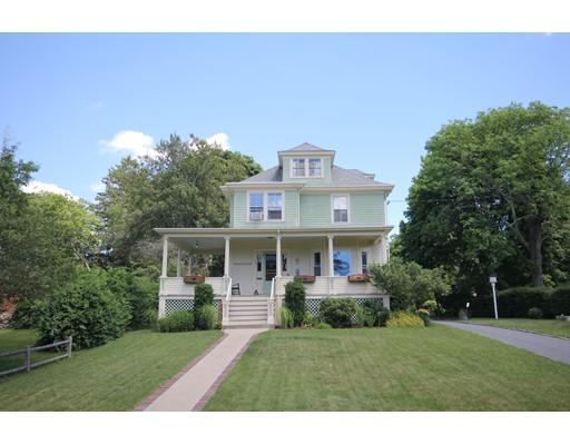 33 Pleasant St, Dartmouth, MA 02748