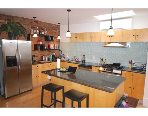 Additional photo for property listing at 13 Concord Square  Boston, Massachusetts 02118 Estados Unidos
