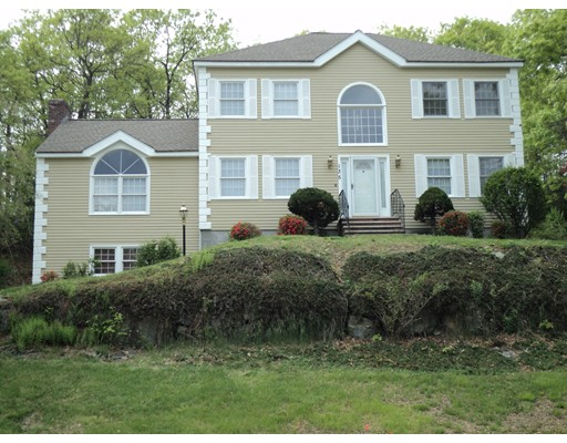 Single Family Home for Rent at 135 Overlook Drive Holliston, Massachusetts 01746 United States