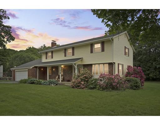 Maison unifamiliale pour l Vente à 8 Founders Road 8 Founders Road Shrewsbury, Massachusetts 01545 États-Unis