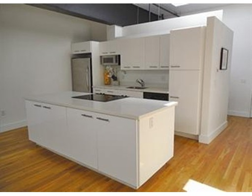 Additional photo for property listing at 375 Broadway  切尔西, 马萨诸塞州 02150 美国